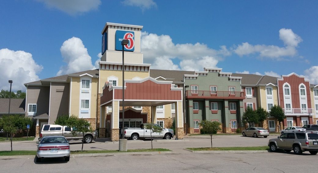 shingle roof repair for hotel motel 6 in wichita